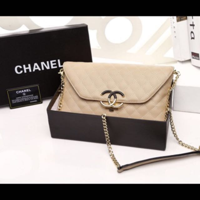 Chanel Clutch with box