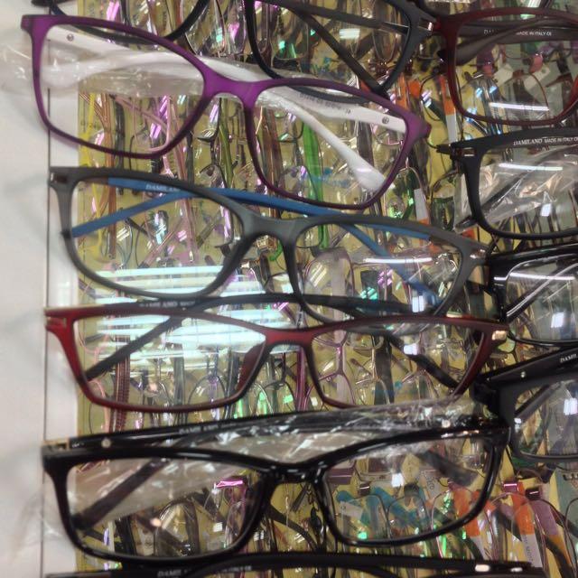 11441cf925 Eyeglasses quality frames
