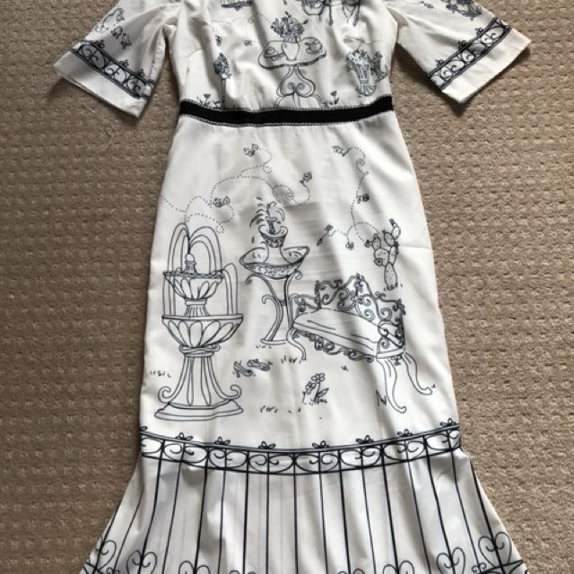 Fish tail Botanical Garden Dress Fit and Flare Size 4-8