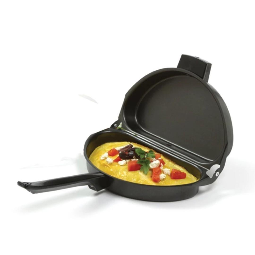Folding Omelette Pan