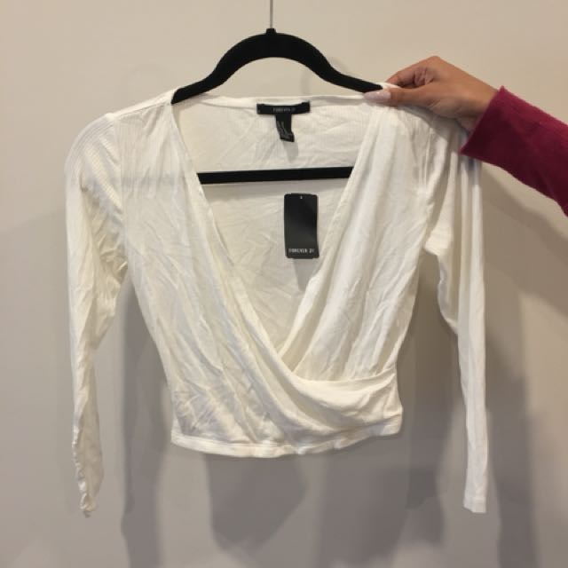 Forever 21 White Crop | Size M