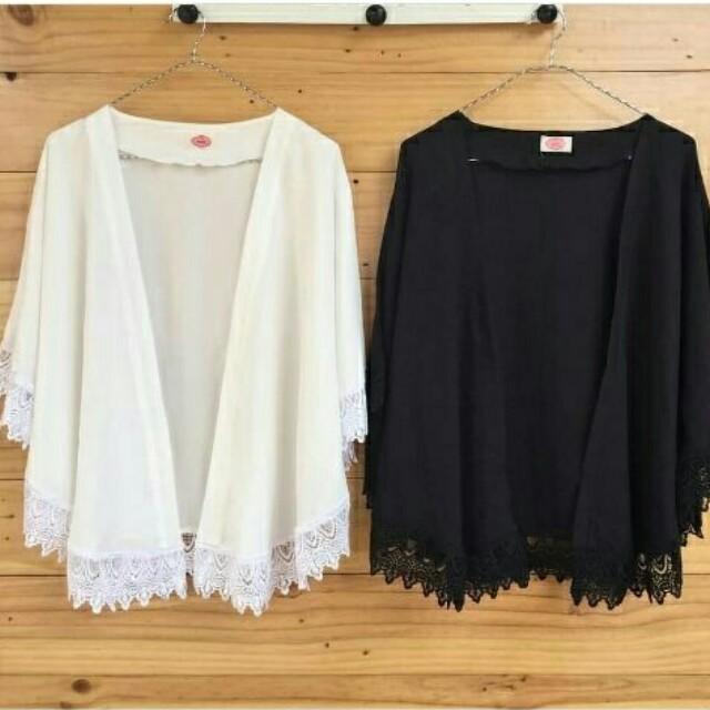 Isha cardi HDZ 78.000 Isha cardi bahan korean silk jait renda krancang import free size (white-black) 0.25