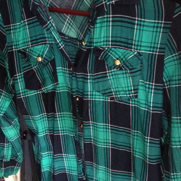 Ladies Size 6-8 Checkered Top