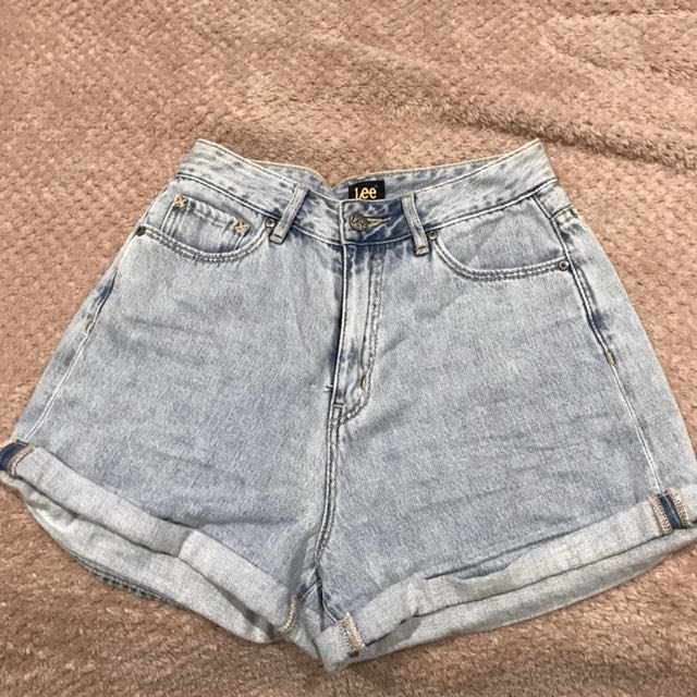 Lee high waisted denim shorts size 8