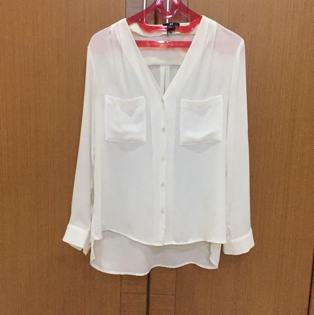 Loose white shirt