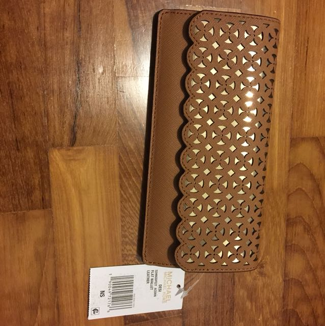 0826a5f86381 MICHAEL KORS 'DESI'Flat Leather Wallet NEW with TAG!, Luxury, Bags ...
