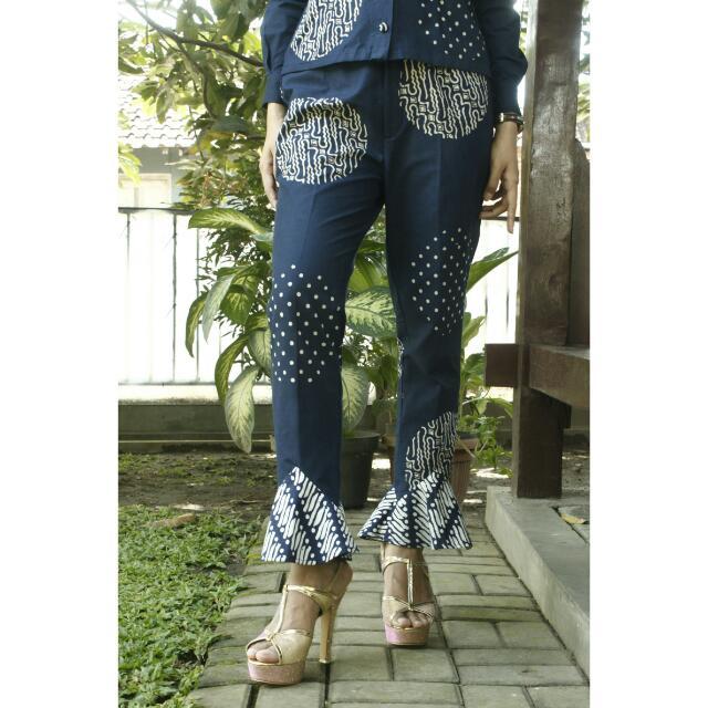Mini Cutbray Pants Size M