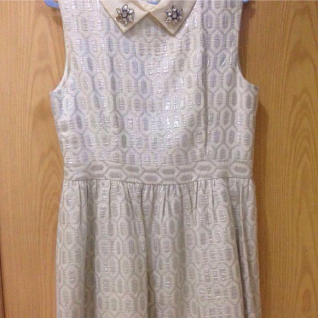 Minimal Dress 50k