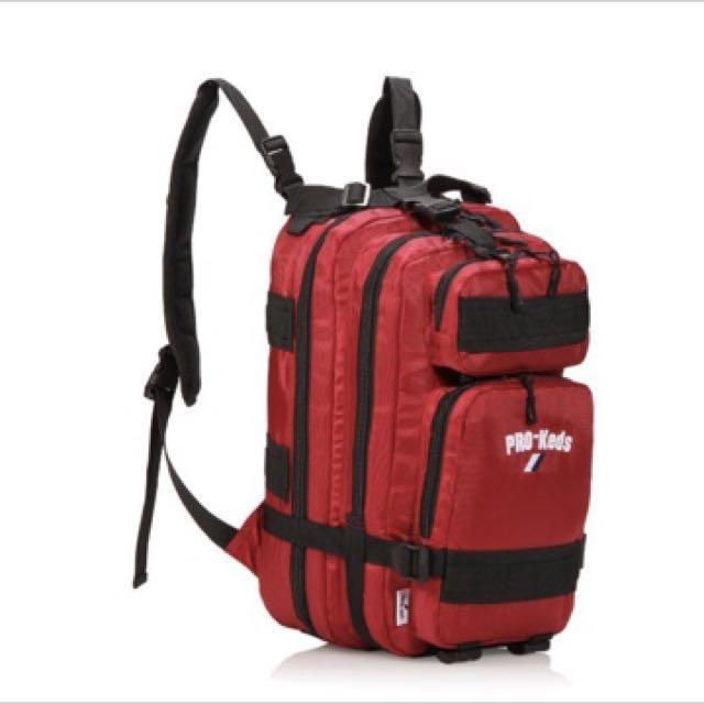 美國PRO-KEDS日本販售款 四層厚度可伸縮 四側加固 男女後背包 紅如圖一二色 尺寸:41/19/21cm  面料:防水尼龍  全新