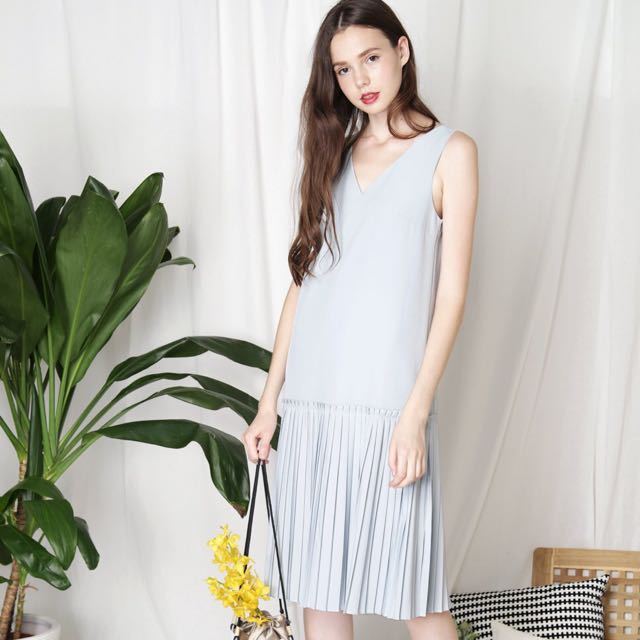 01e8c182662 STARSTRUCK Pleat Hem Midi Dress (Sky)