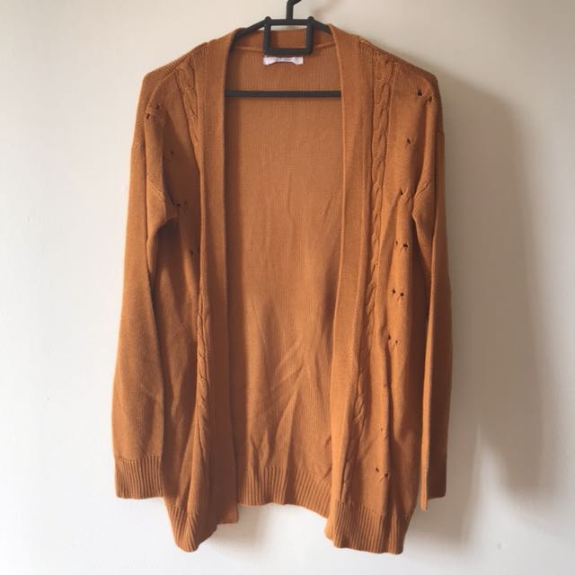 Sweater outer