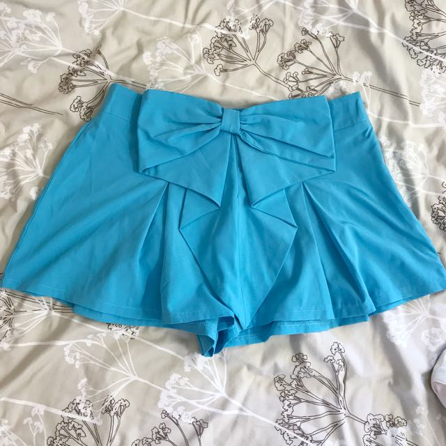 Tiffany blue bow shorts size 12