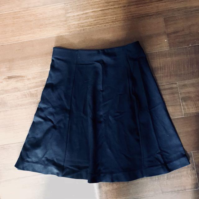 uniqlo深藍舒適彈性裙