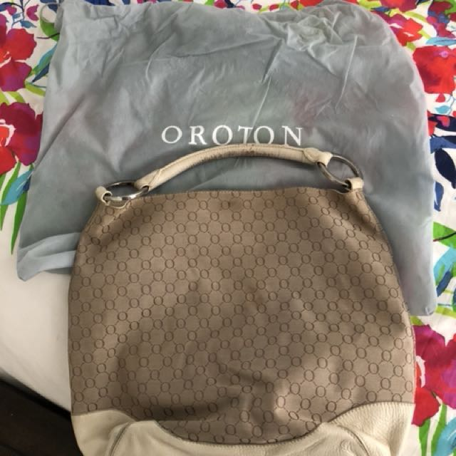 Used Oroton Bag( there is sign of wear and tear of this bag, it was look after and still presentable to use, bought for $295)