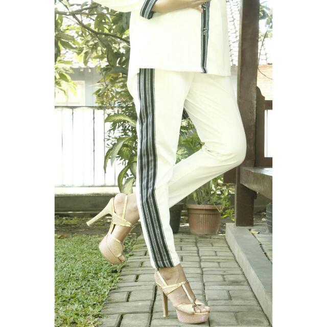 White Stripe Pants Size M