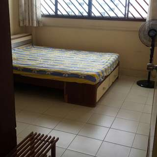 Room for rent @ Tampines St 81
