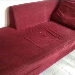 Sofa L merah maroon