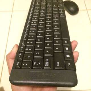 Logitech K220 wireless keyboard