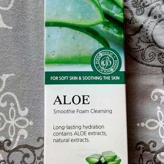 Aloe foaming cleanser
