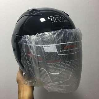 TRAX TR06RR Gloss/ Metallic Black Helmet