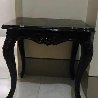 Narra table