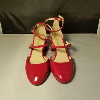 IT Venilla紅色漆皮粗跟鞋