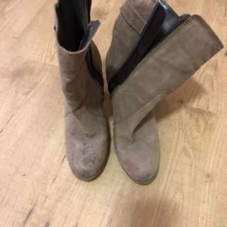 Size 7! Shoes!