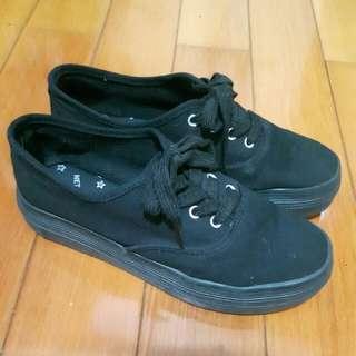 NET 黑色厚底帆布鞋