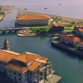 Las Casas Filipinas de Acuzar overnight package