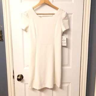 White Short-Sleeve Dress (Size: S)