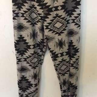 Tribal Pattern Knit Leggings