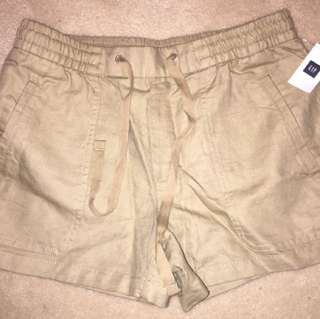 Gap brand new khaki cloth shorts
