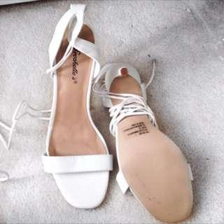Windsor White Lace Around Heels