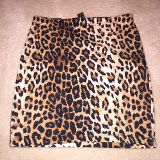 Forever 21 cheetah mini skirt