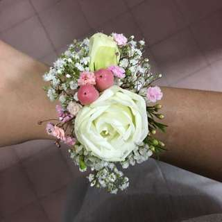 Hand Corsage for Wedding / Wedding Wrist Corsages