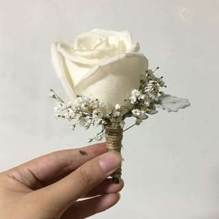 White Rose Corsages / Grooms Boutonniere in white rose and baby breath