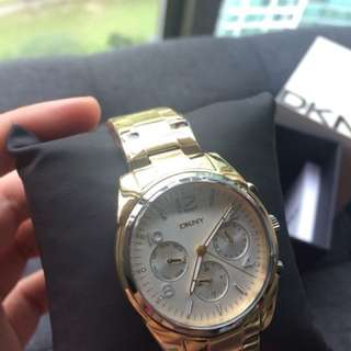 Gold DKNY watch (Unisex)