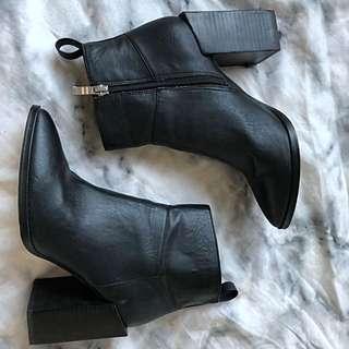 Black heel boots UK 5 AUS 7 Lipstick Brand from Windsor Smith