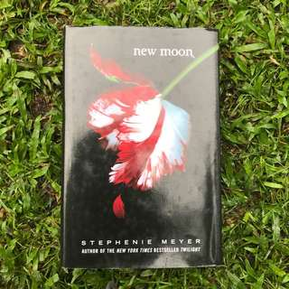 Pre-loved Book: New Moon