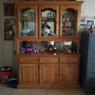 CHINA CABINET 6ft LONG 5FT WIDE REAL WOOD SELLING $300.00