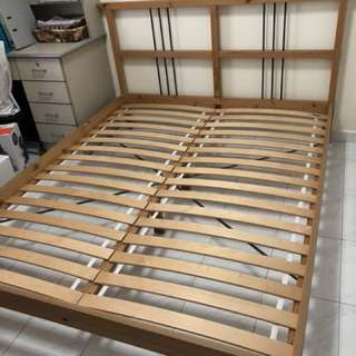 queen sized bed frame with mattress