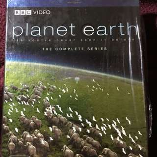 BBC PLANET EARTH Blu-Ray 4 disc Set - Complete