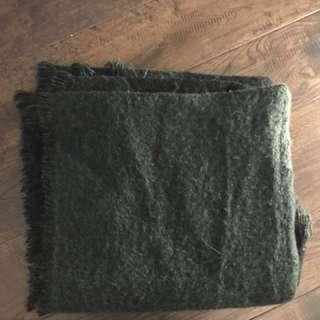 FRAYED OLIVE GREEN BLANKET SCARF