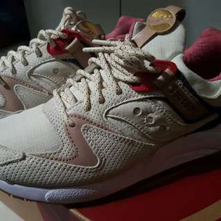 RUSH! Saucony Liberty Pack Light Tan Grid 9000 Size 8US