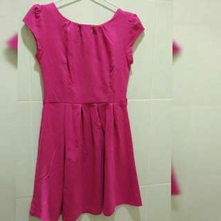 100rb dpt 4   (1 Dress and 3 Top)
