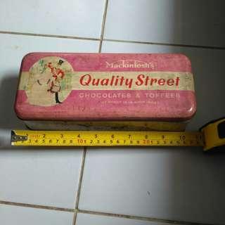 Box kaleng