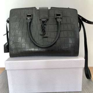 Saint Laurent classic medium bag in black leather