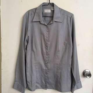 Van Heusen gray long-sleeved blouse
