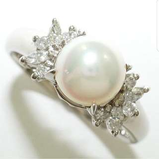 0.22 ct Diamond & Pearl Ring - Platinum
