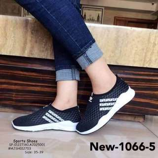 Sport shoes size : 35-39